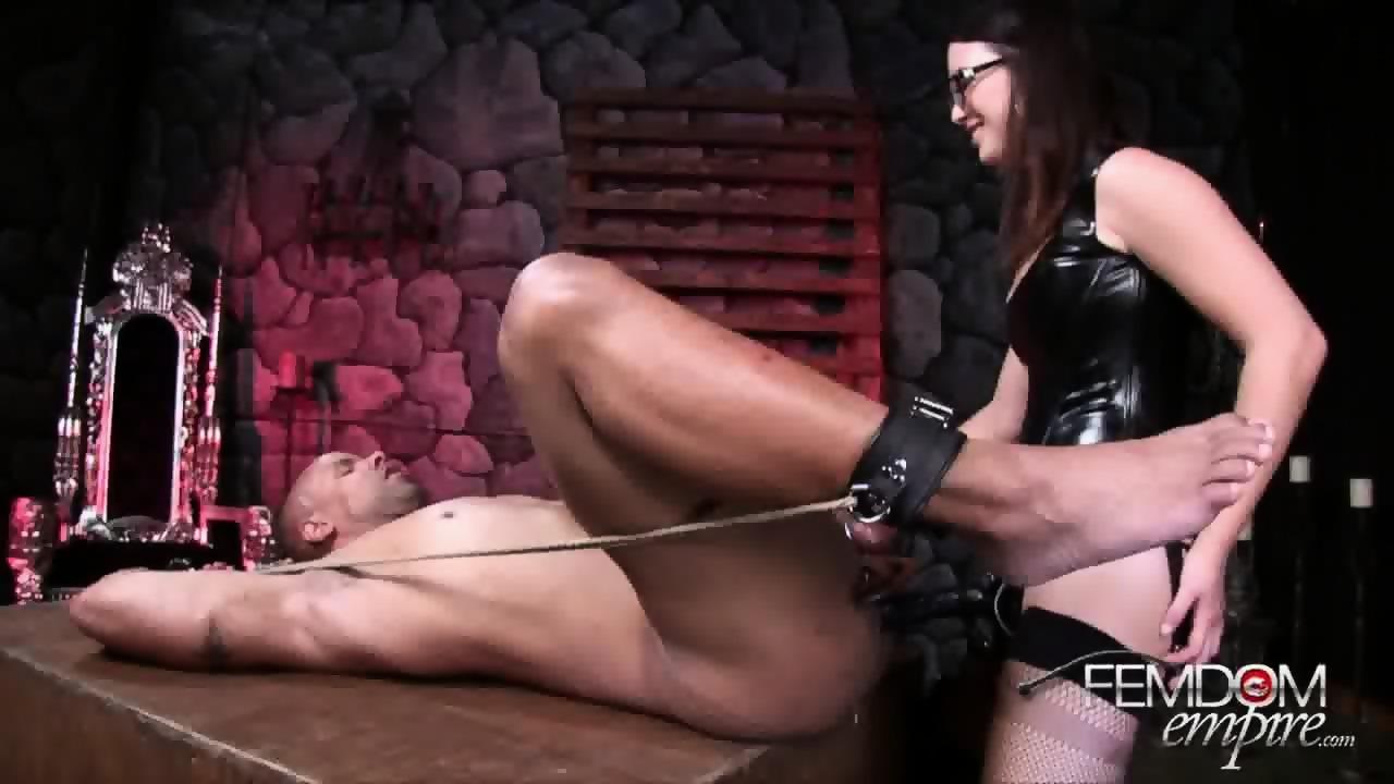 lady strap on dildo jpg 1152x768