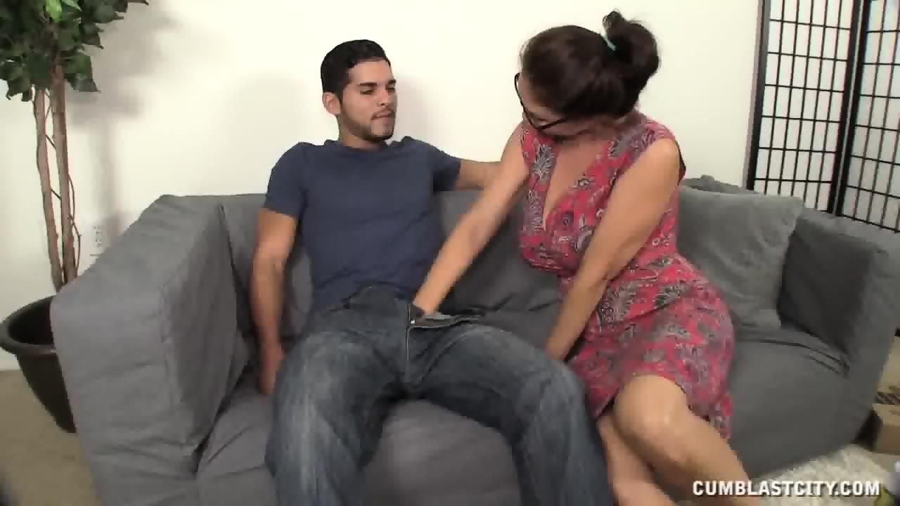 sexy nude women dick grabbing