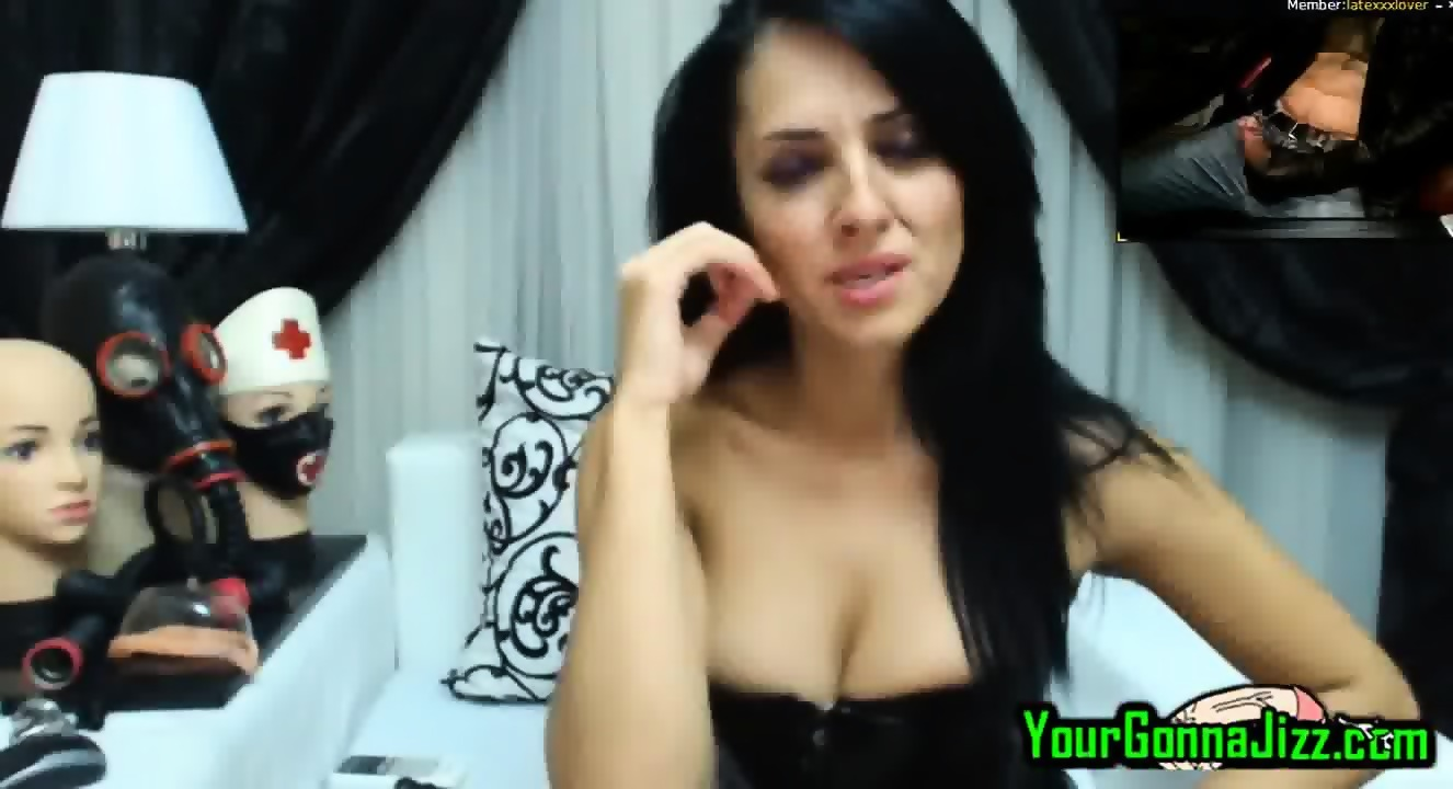 2Cam Porn hot milf in latex watches me fuck to her on live cam 2 cam