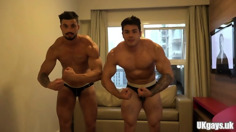Muscle amateur rimjob and cumshot4