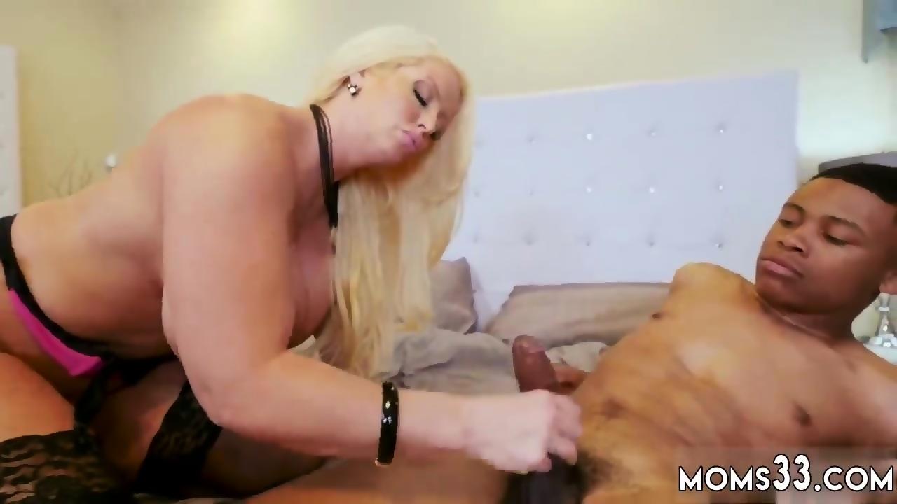 Milf threesome massage parlor Milf Fucks The Gardener - scene 6