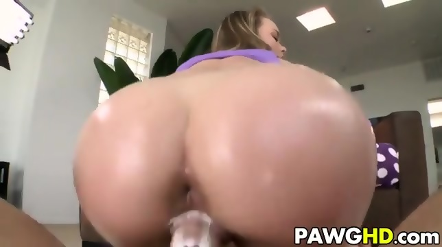 Nice long slow suck till he bursts in my mouth - 3 part 7