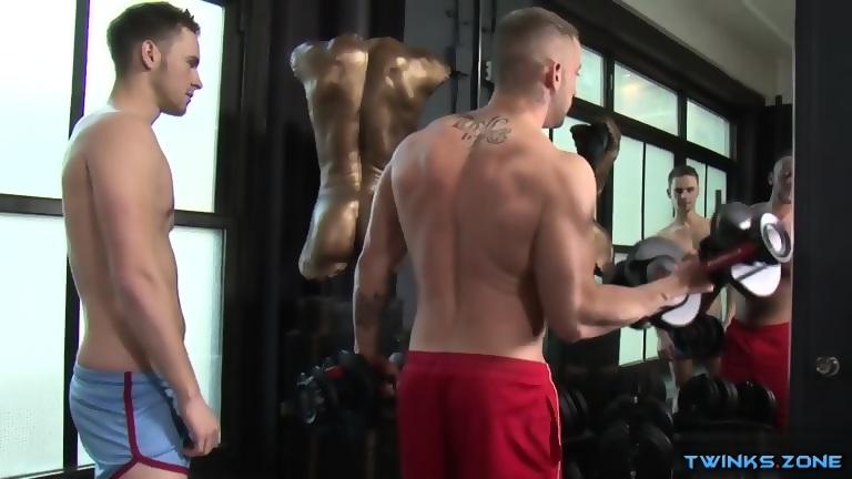 Muscle bodybuilder flip flop and cumshot