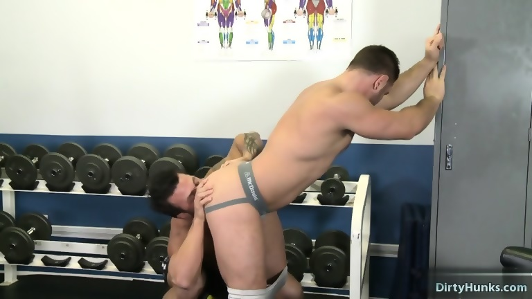 Tattoo bodybuilder anal sex and facial