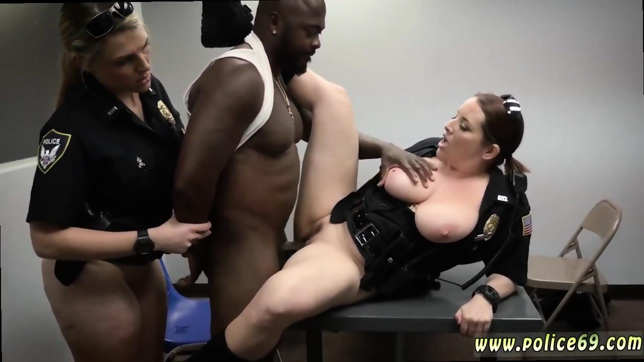 Black bodybuilder solo Milf Cops - scene 3