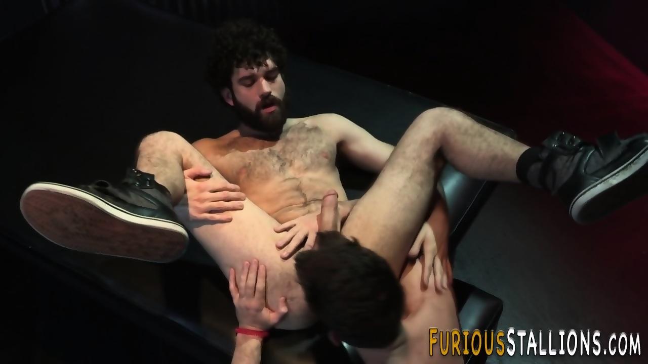 Brawny gays butt banged
