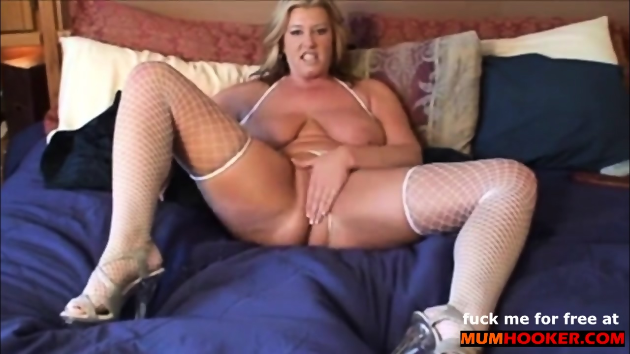 DirtyTalk with horny Mom