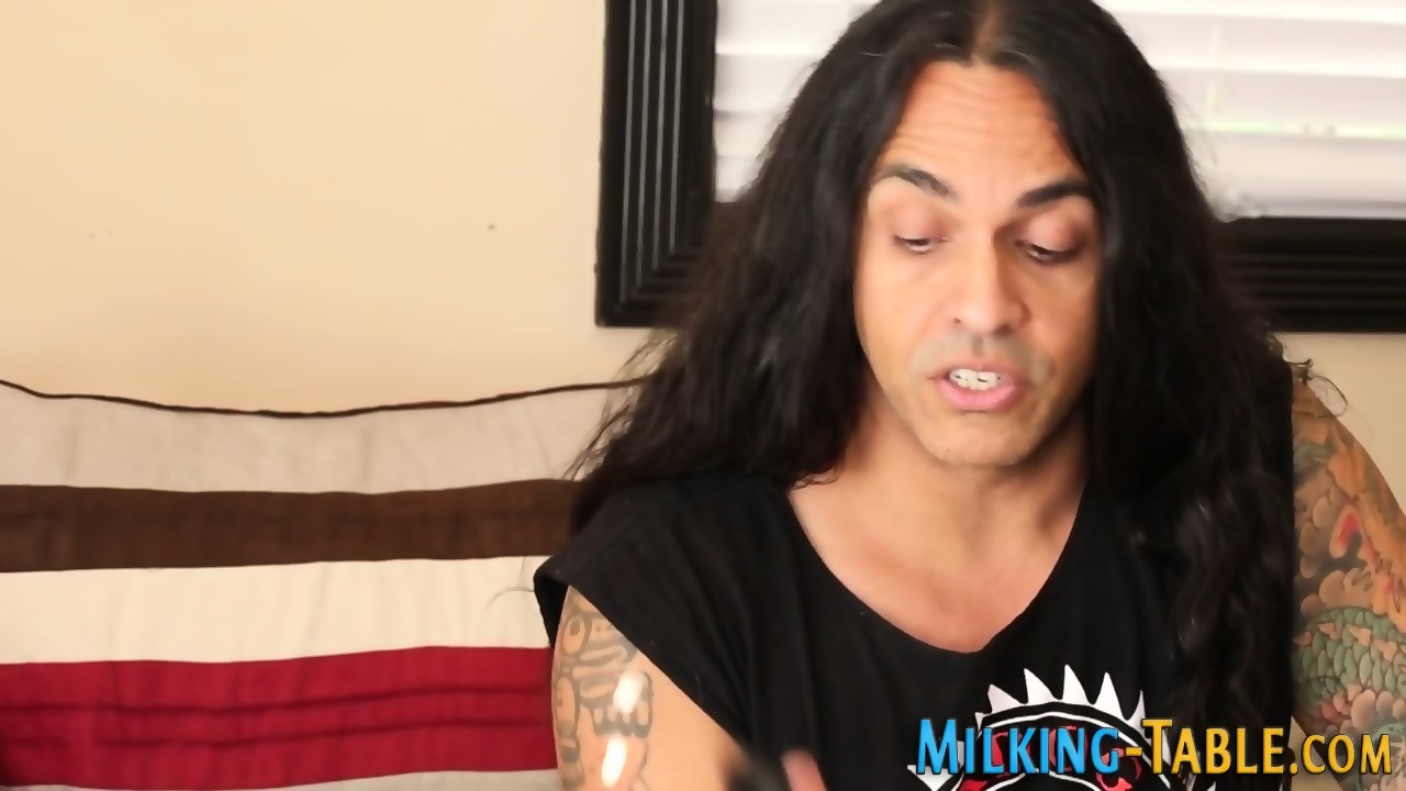 Massause giving blowjobs the