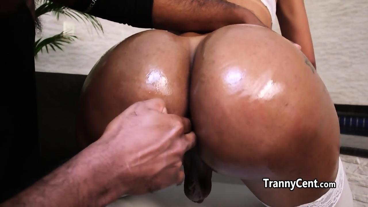 Kim jones yes network boobs