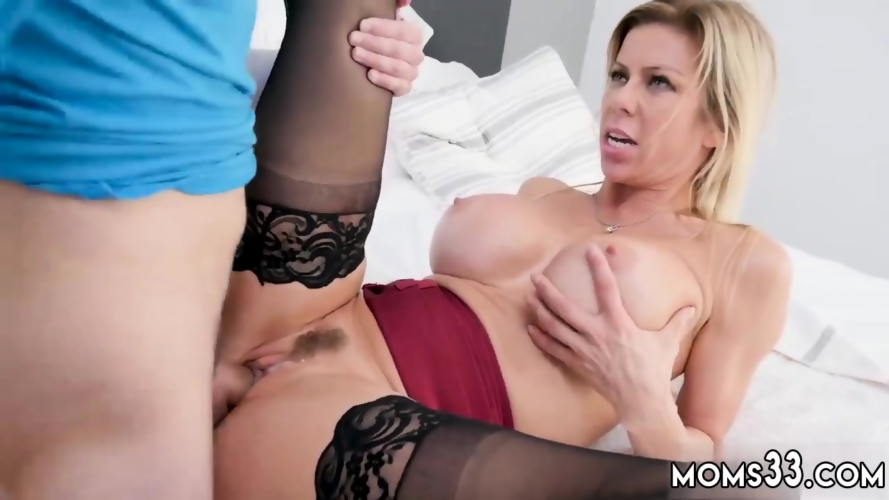 Big Tits Mom Daughter Lesbian