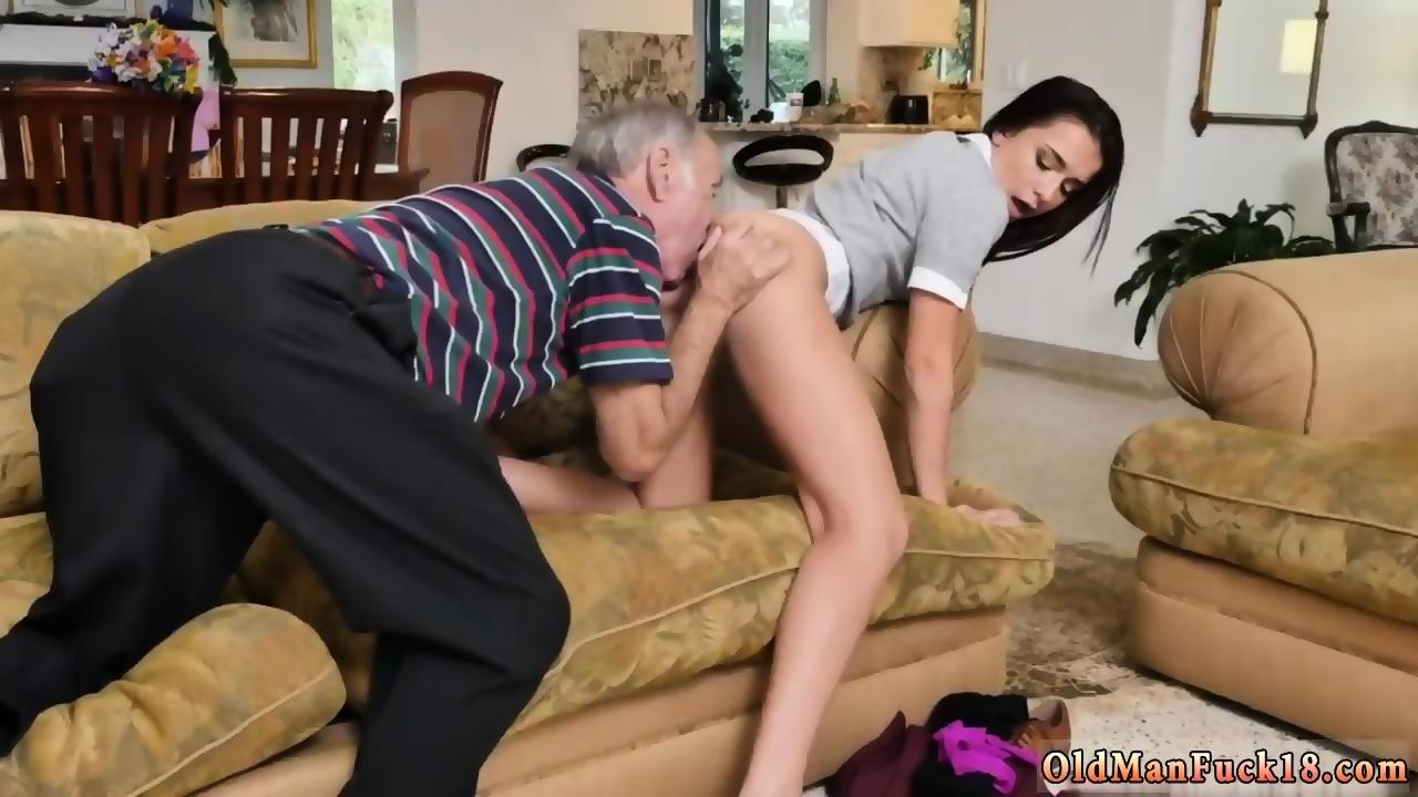 Blonde slut suck a black