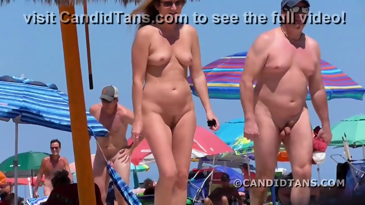 mom naked on the beach