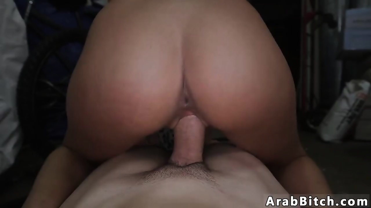 Attractive Arab Wife Nude Pic
