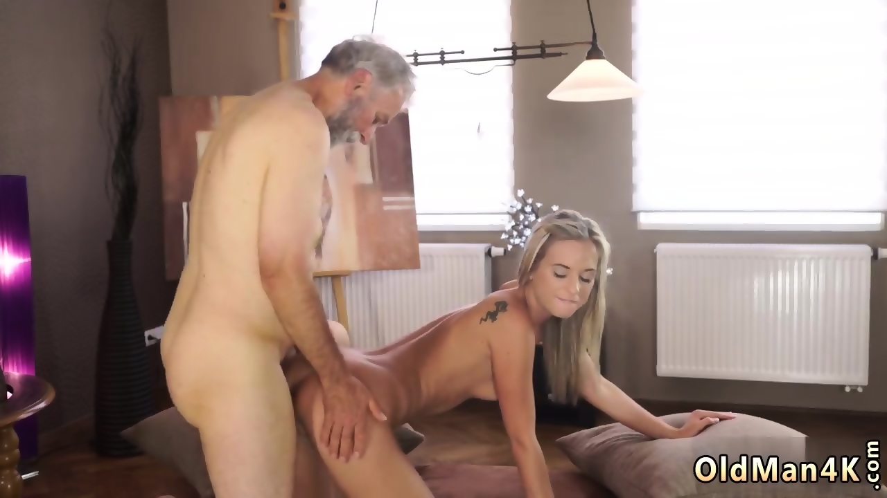 Girl flashing her tits