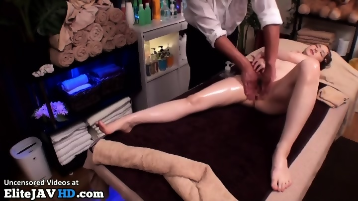 What do nice boobs look like