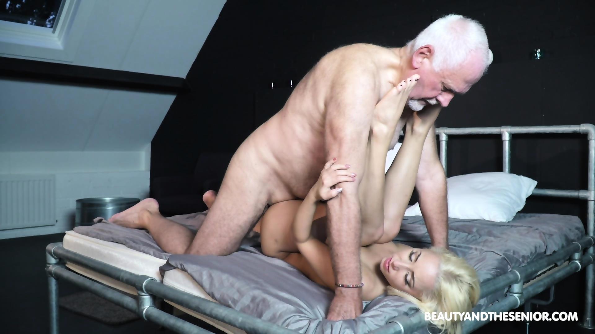 Sexy hot women sucking