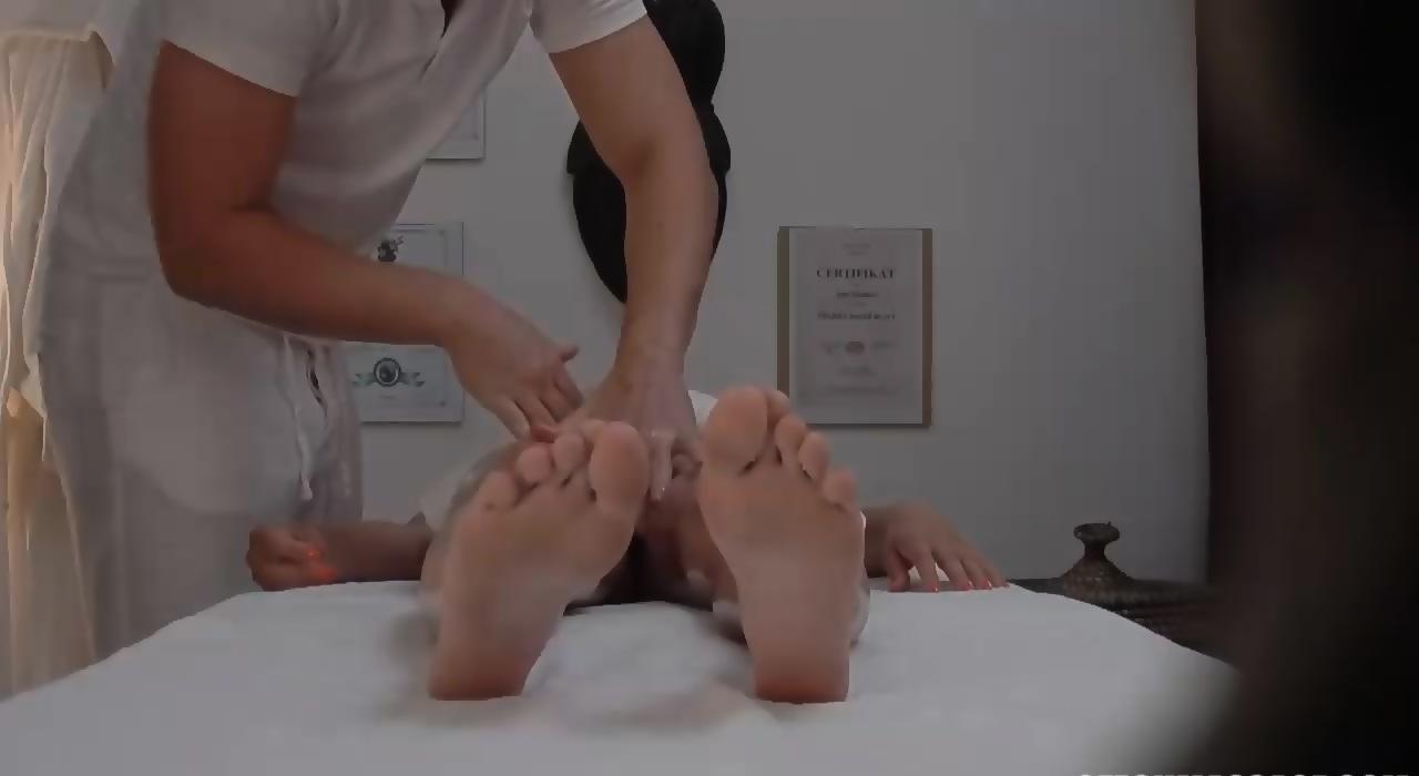 Réel massage salon porno