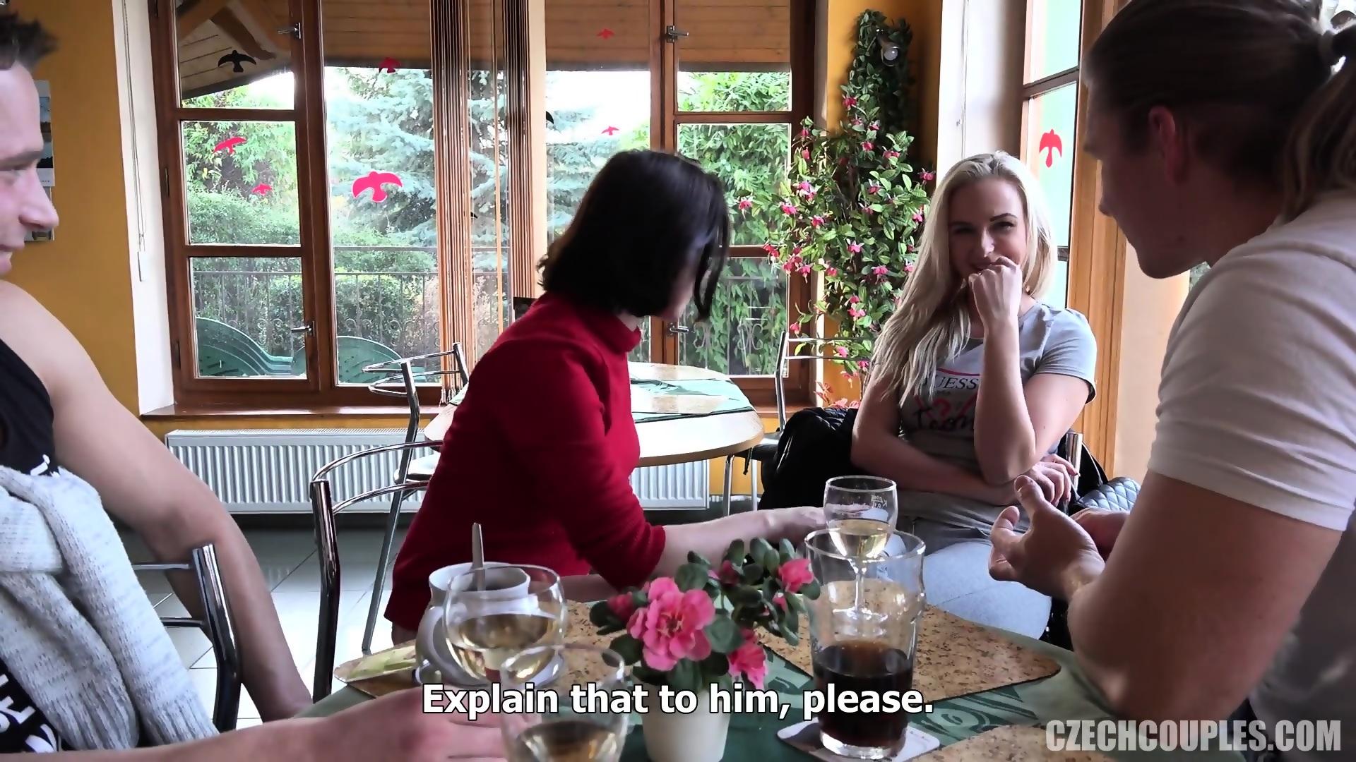 sex in restaurant