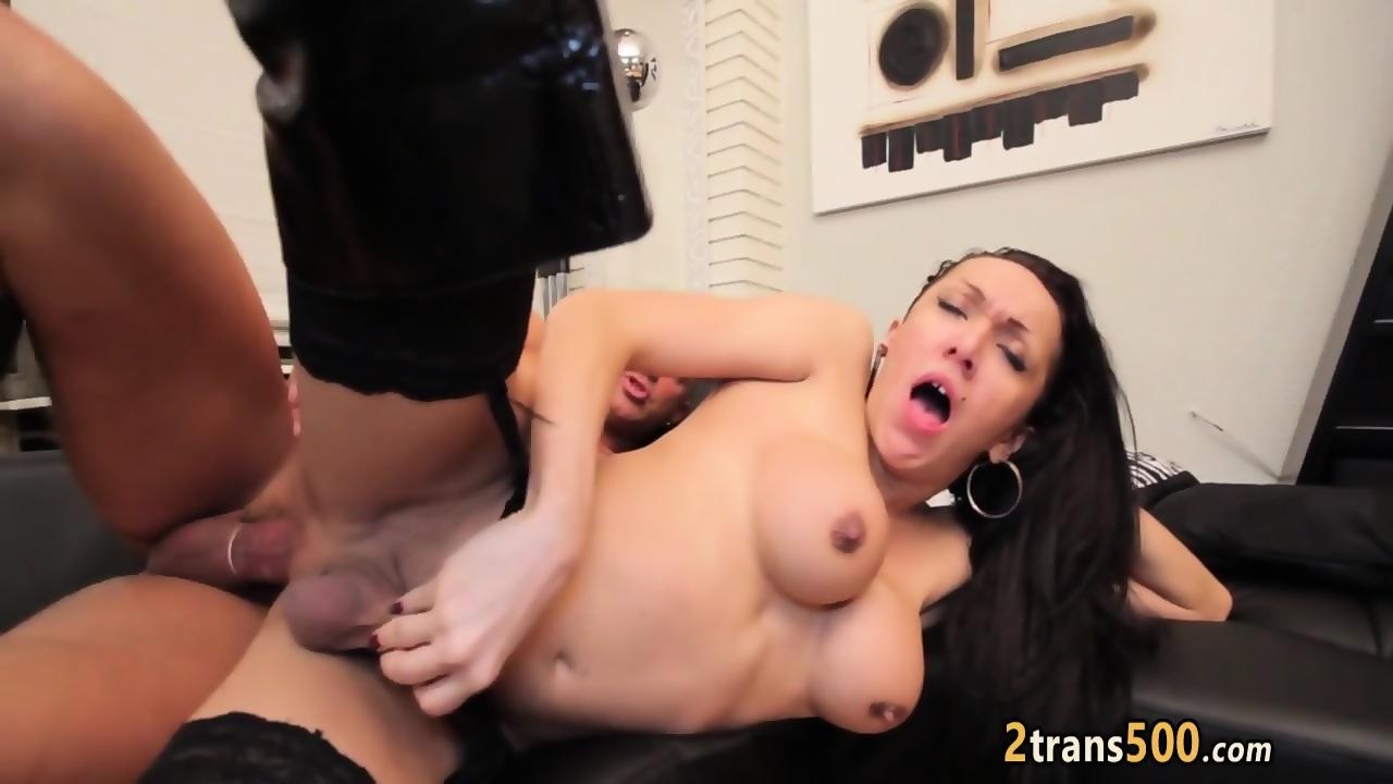 Beautiful HD Lust Lesbians In
