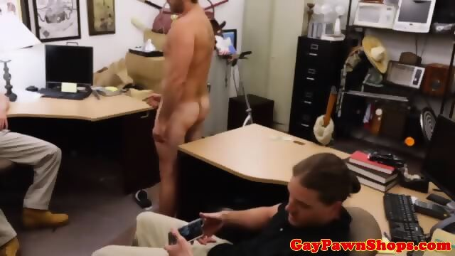 Straight pawnshop amateur tugging dick for cash