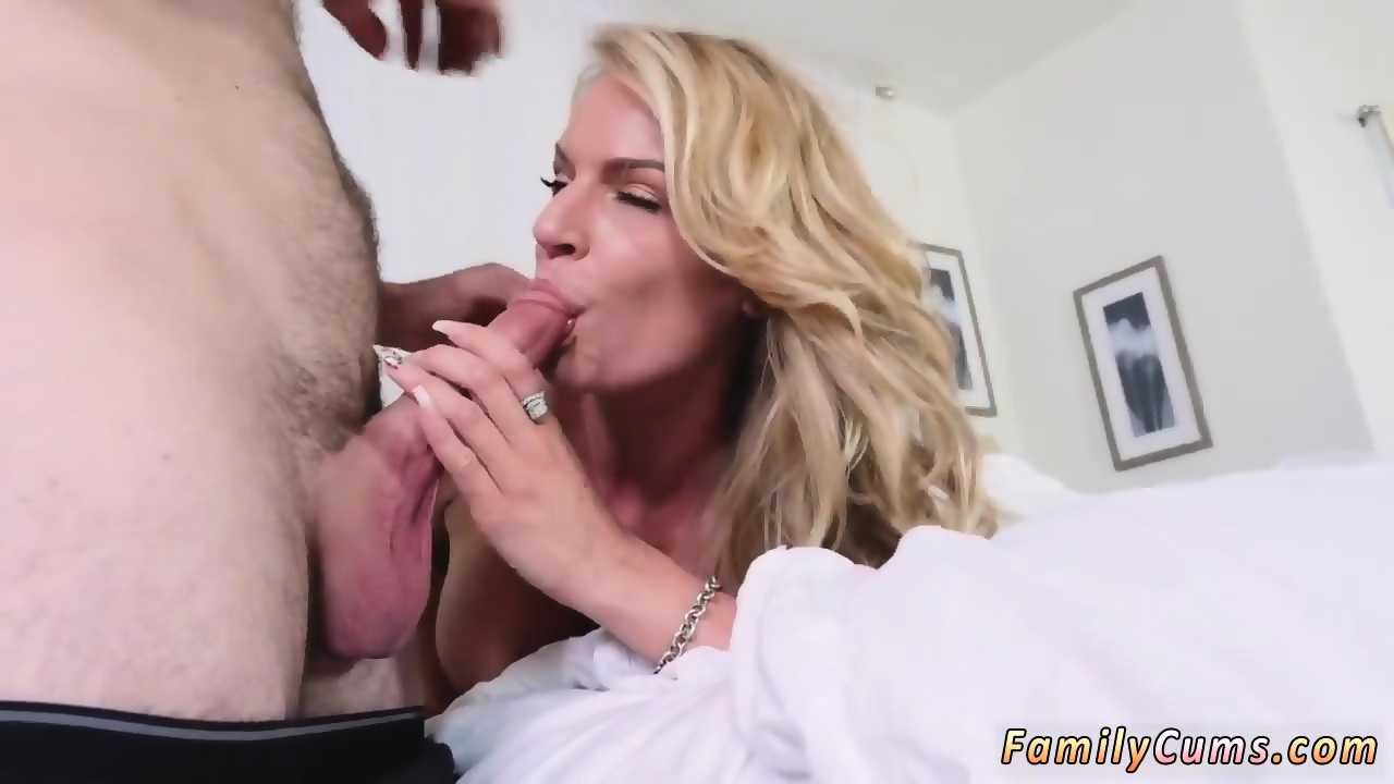 Amateur First Time Anal Squirt
