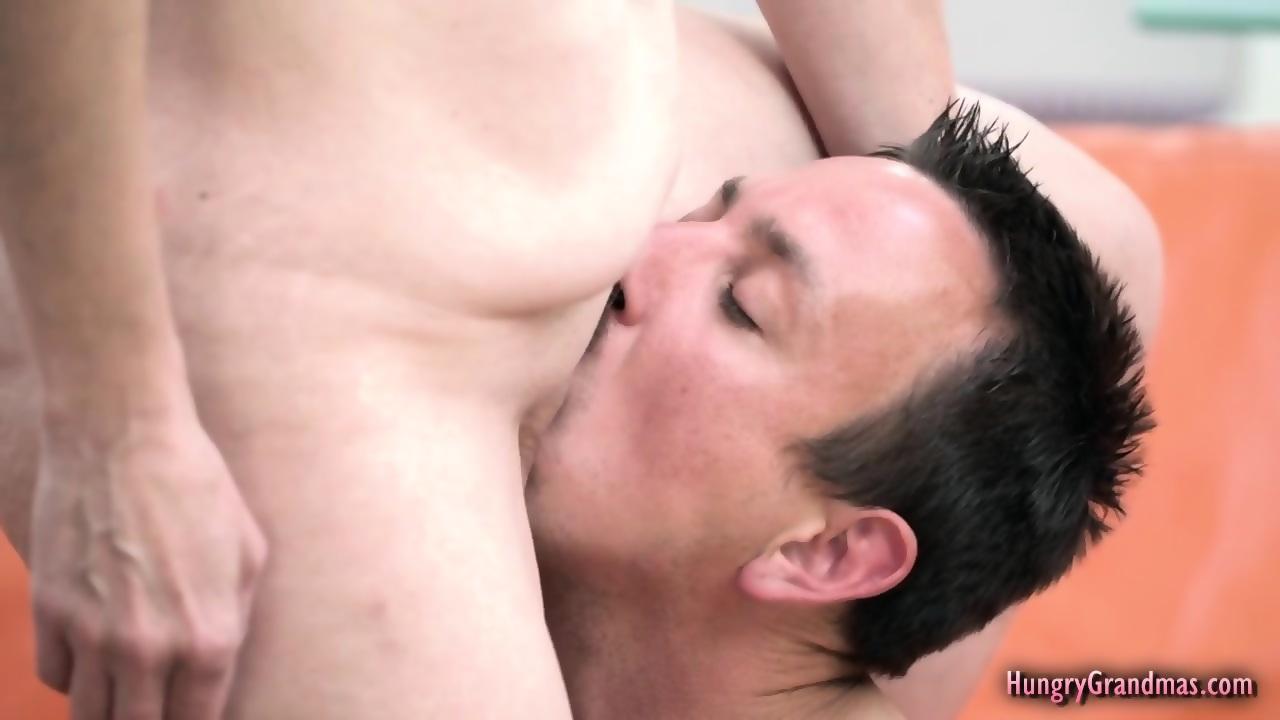 Amateur filipina flash porn