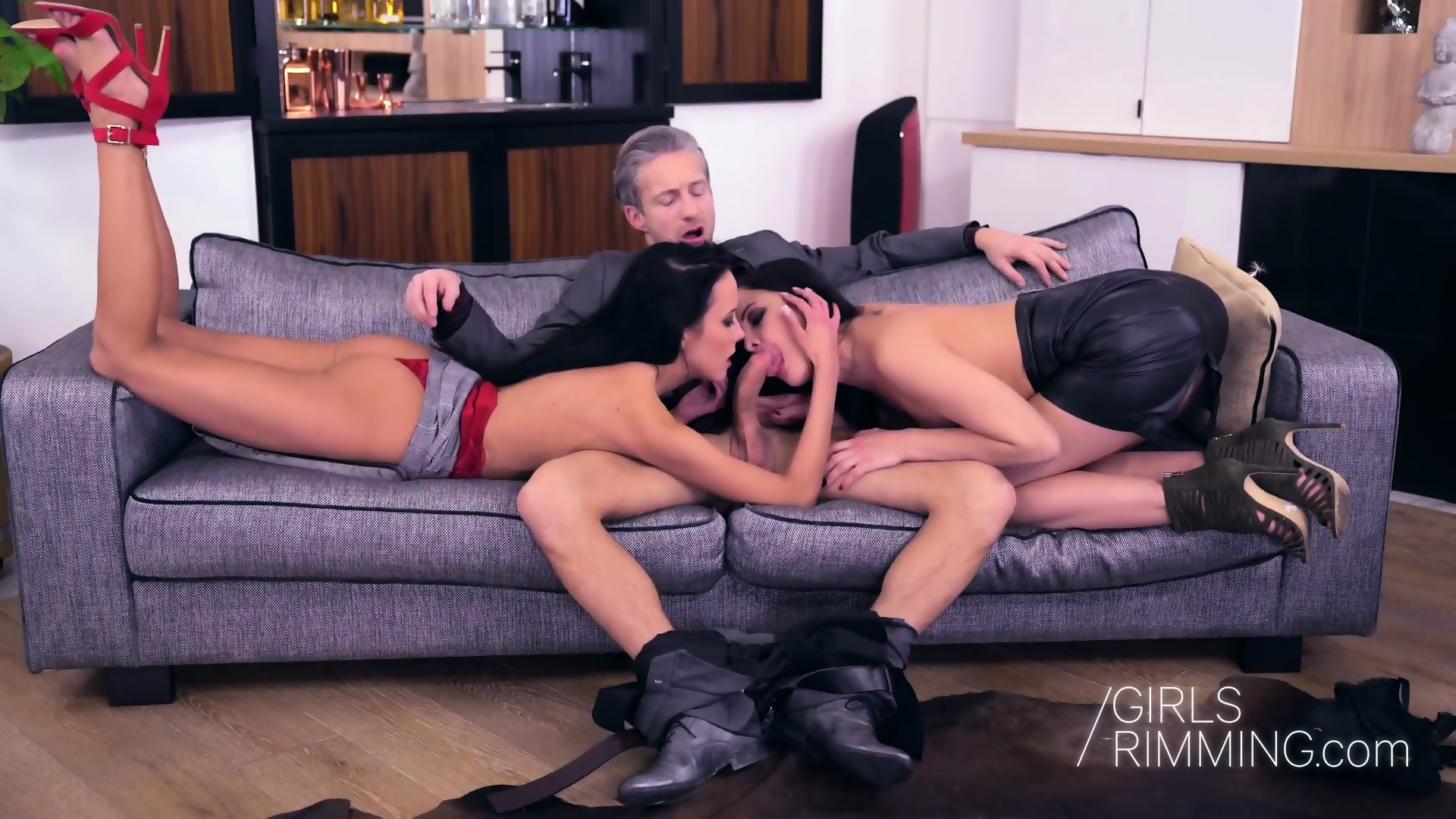 Threeway Rimming And Cumshot With Sexy Black Beauties