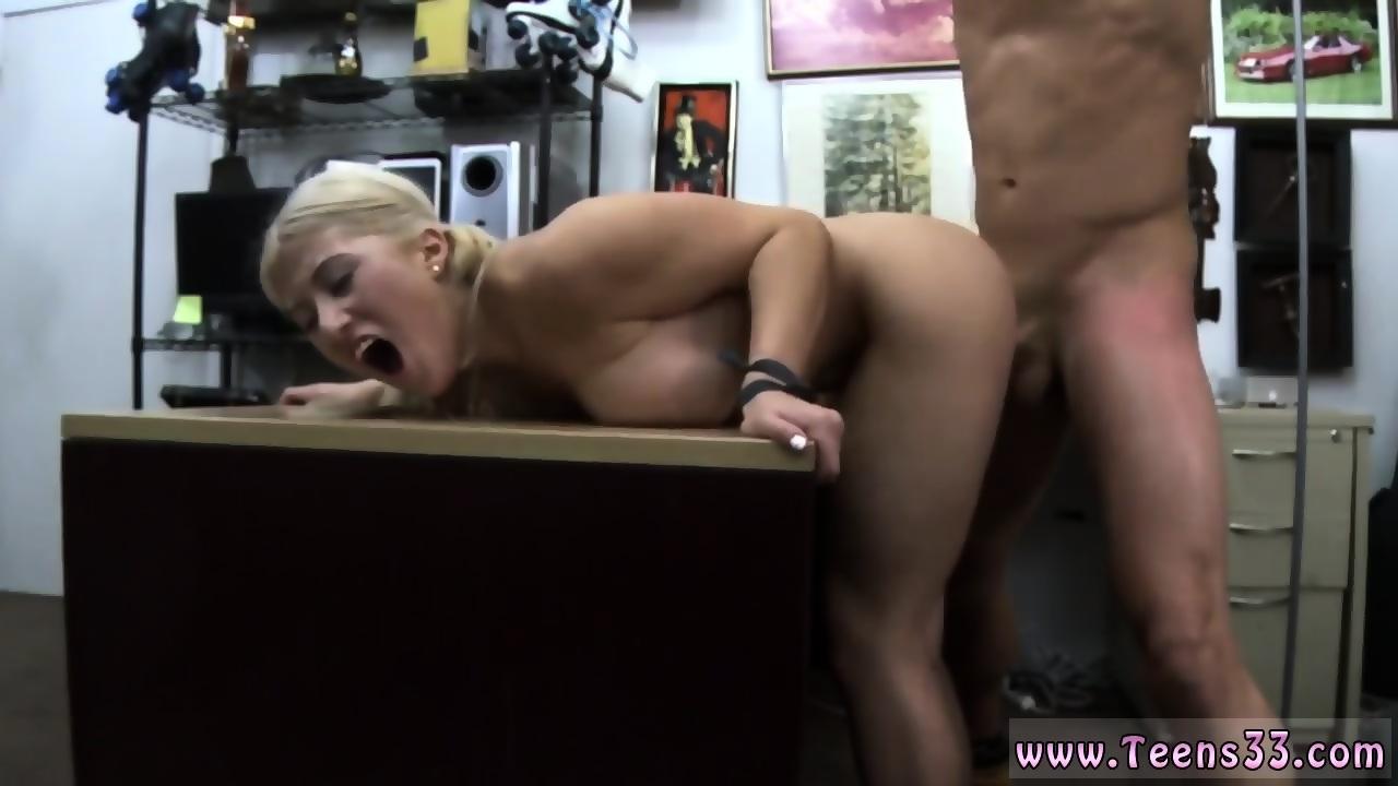 Bubble butt anal queen