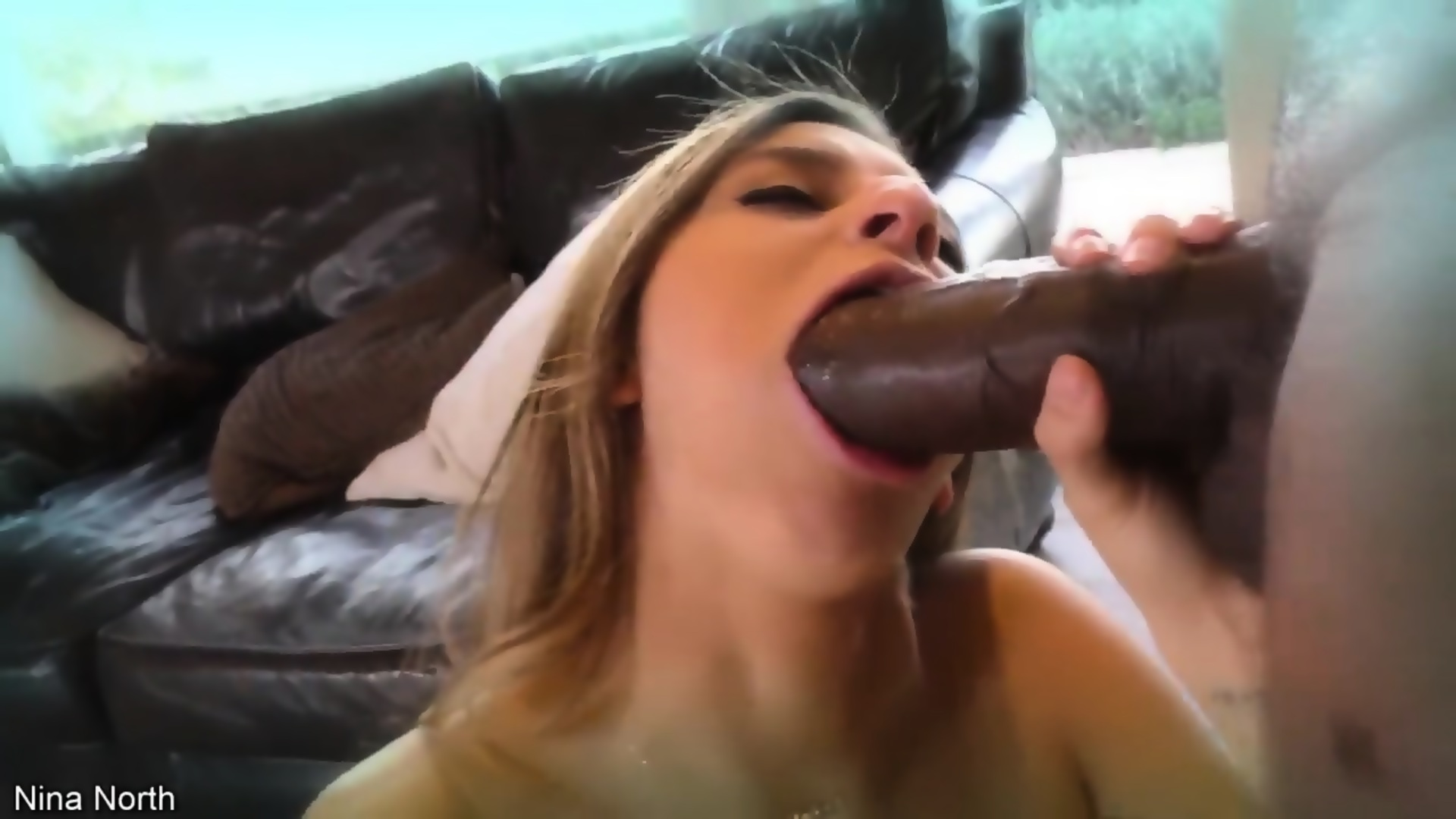 Porno young girl squirting solo