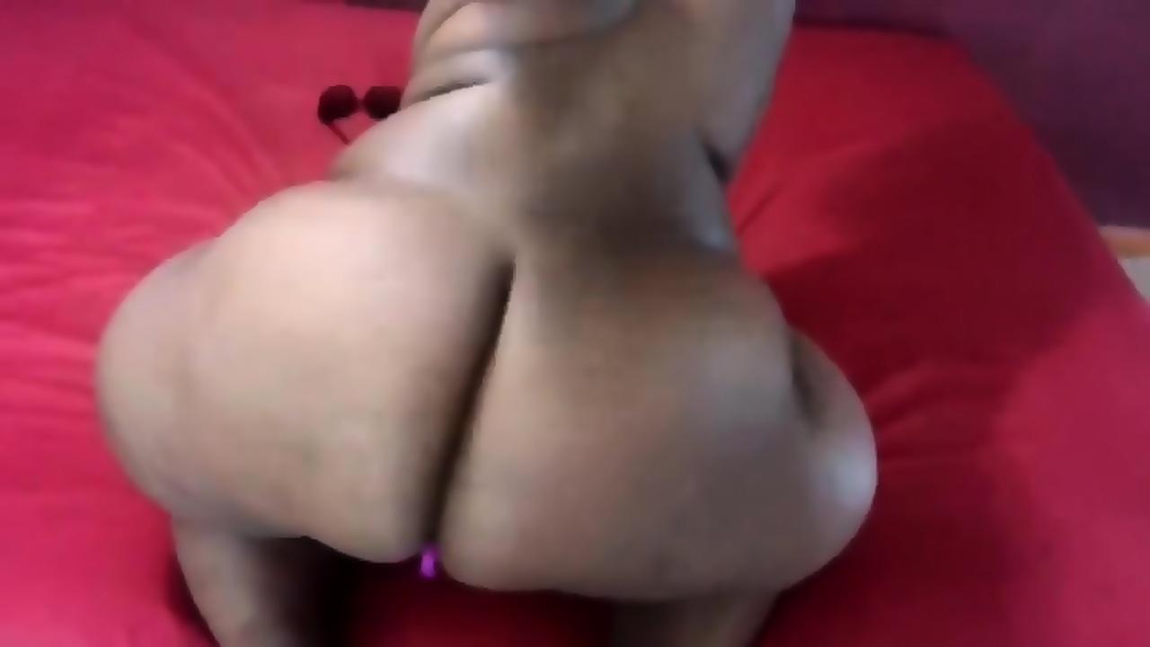 E g daily nude