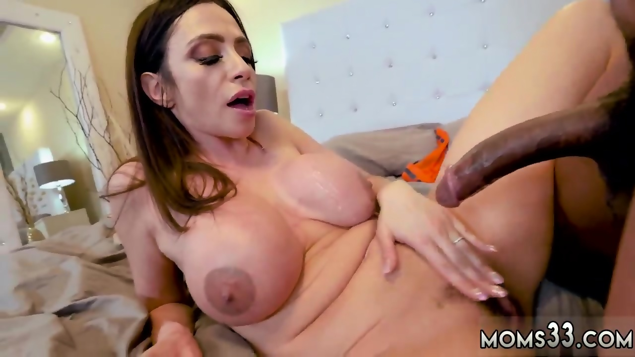 Milf submits