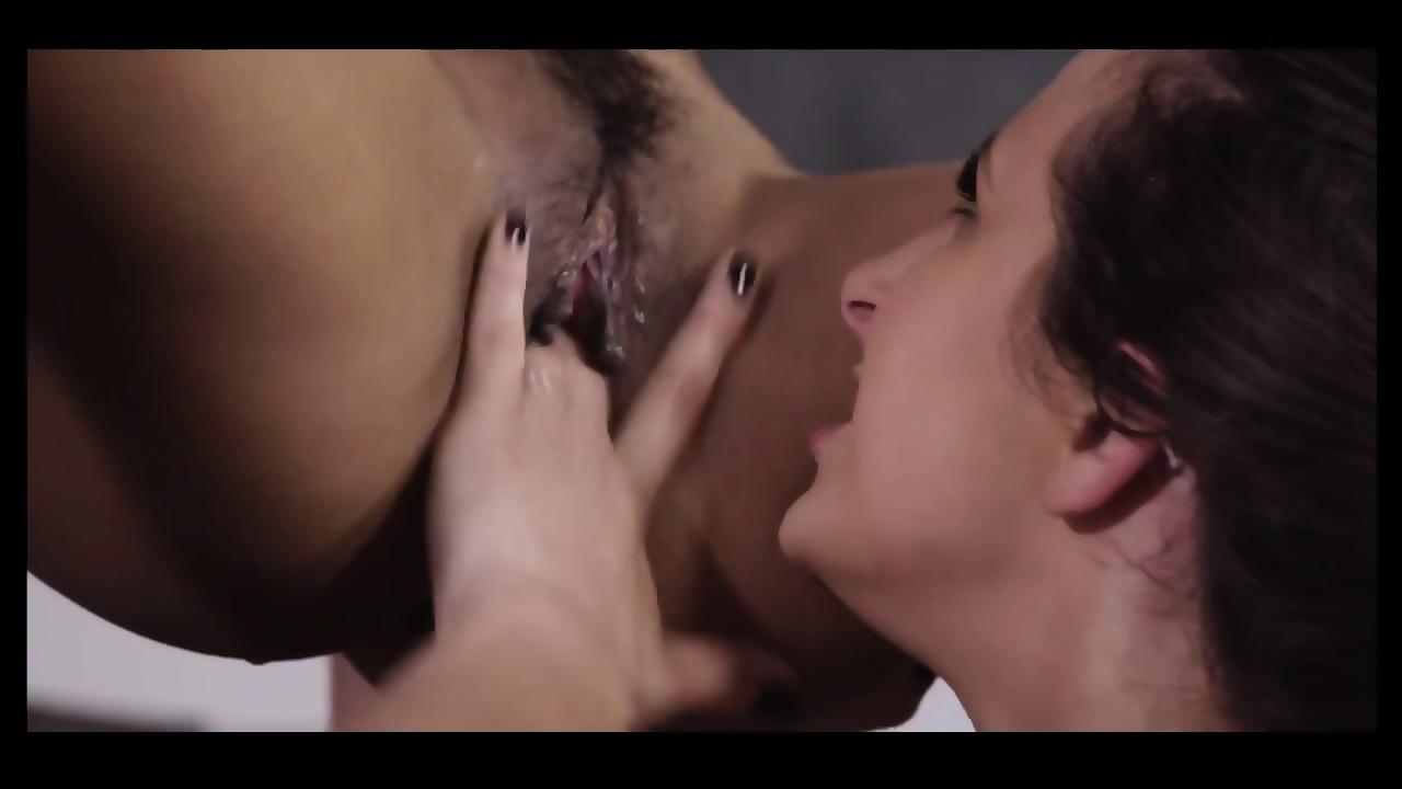 Big Tit Lesbian Sucking Tits