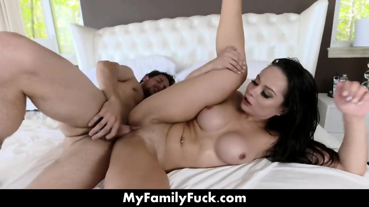 Stepmom Gets Made Into Whore