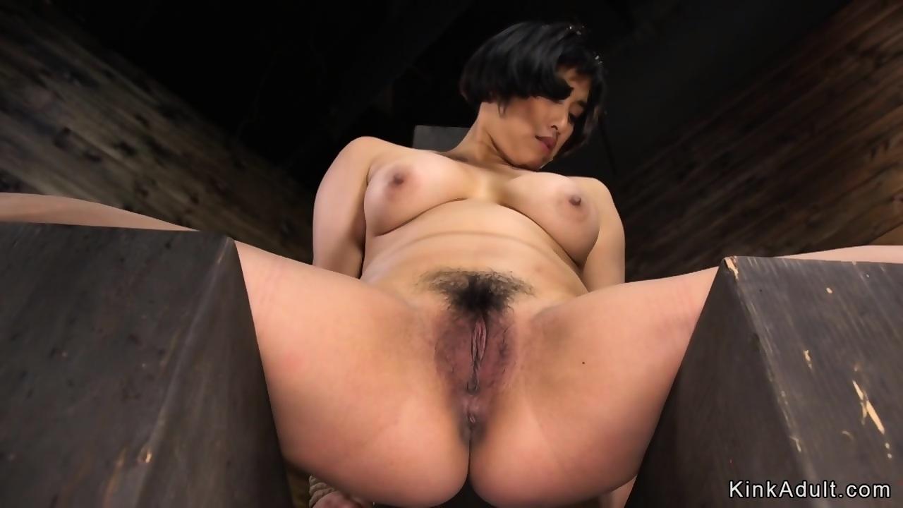 Mom no panties skirt clit