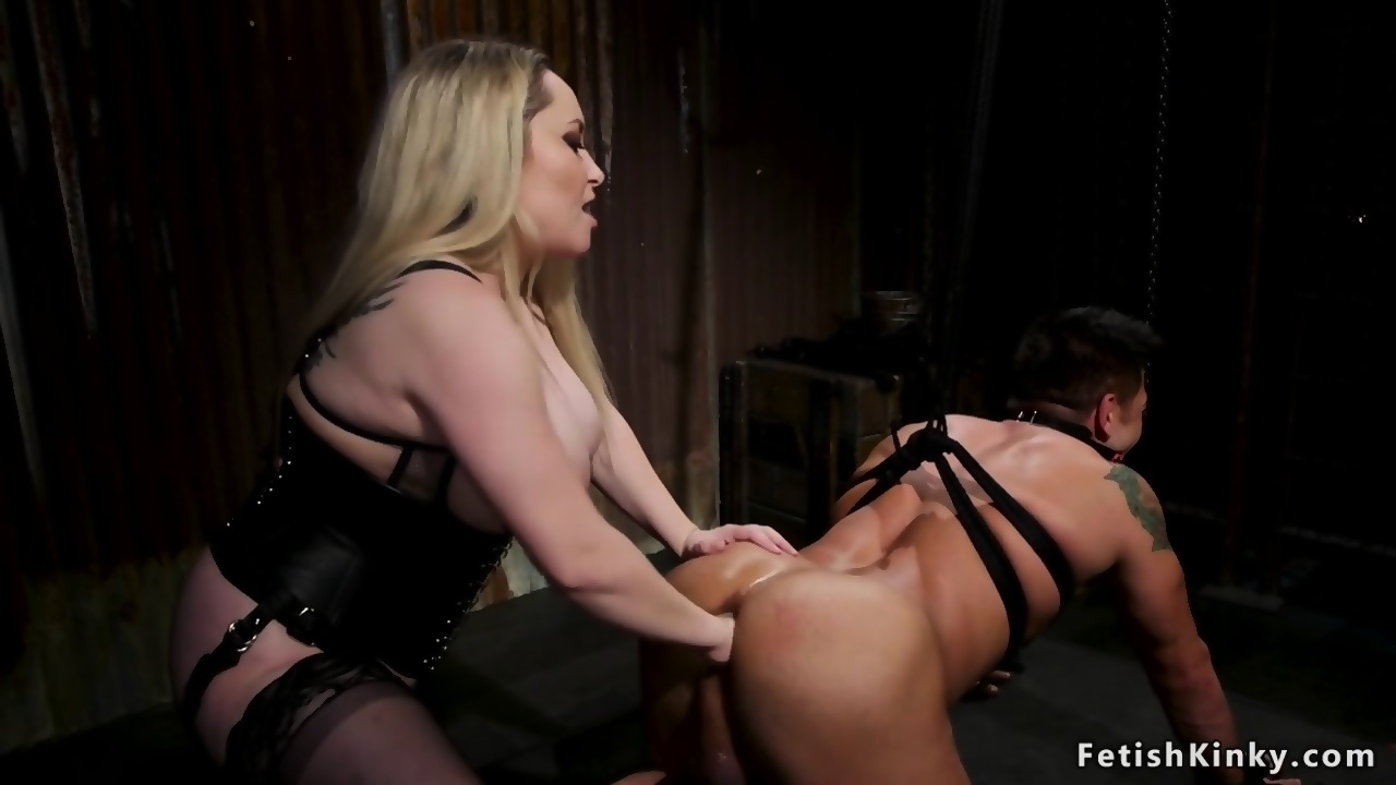 Erotic Photos Naughty america slut fucked on bar