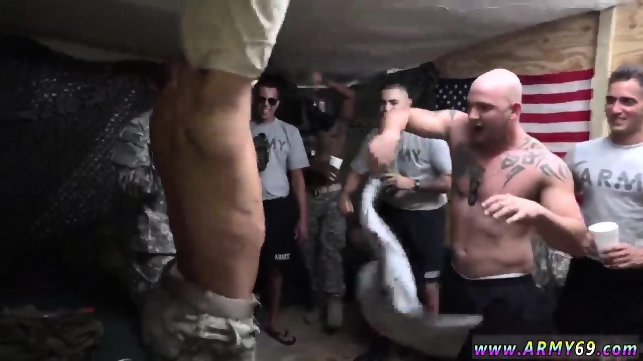 Monstet καβλί πορνό