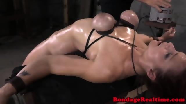 BDSM sub Bella Rossi on machine fucked Porn Videos