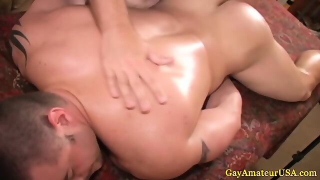 Muscled straight loves gay ass fingering