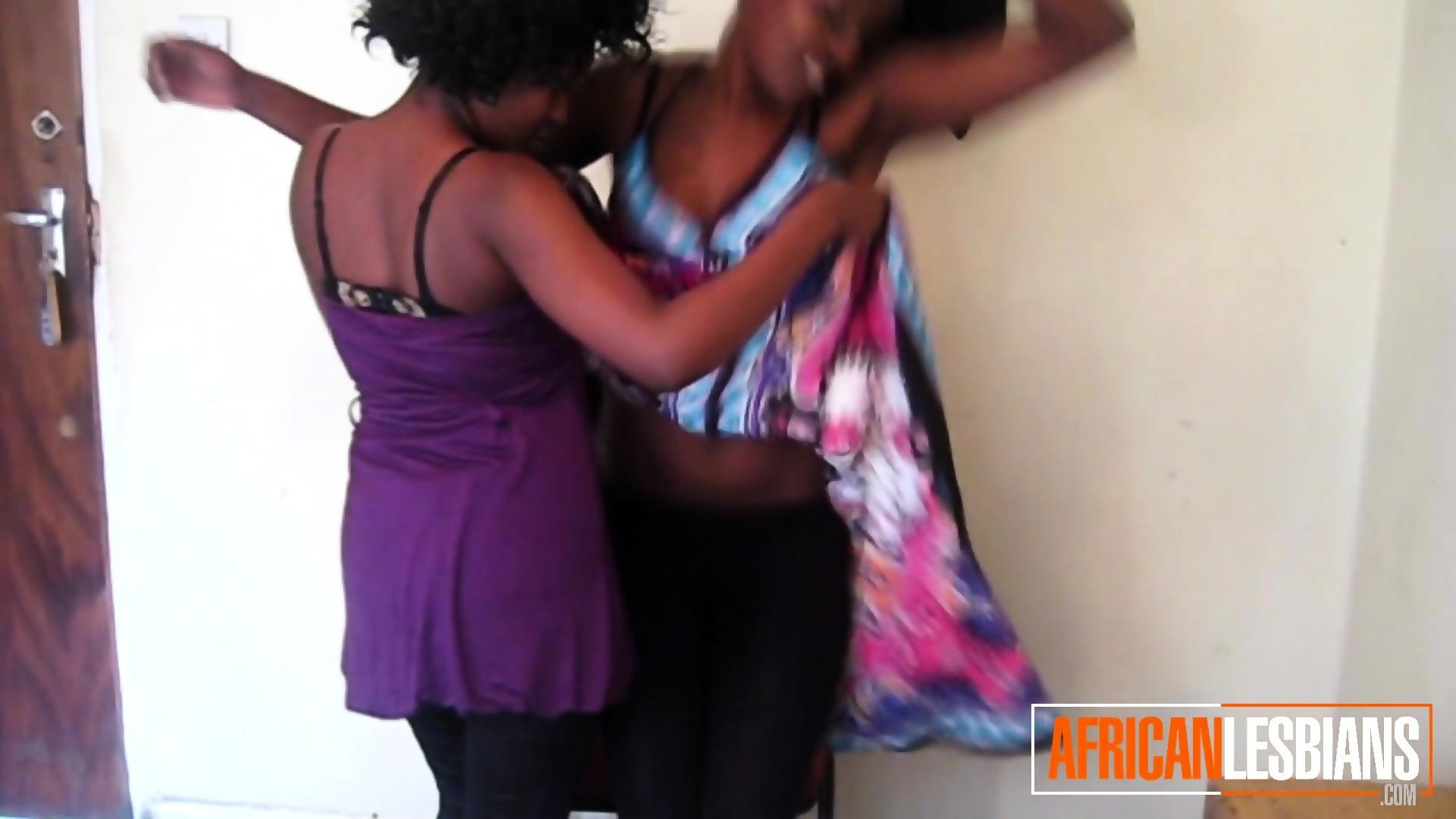 Ebony Lesbian Pussy Fingering