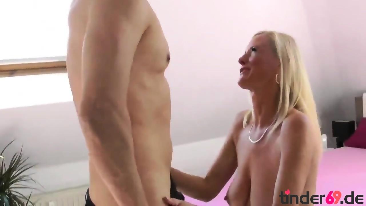 Sexy Amateurgirl steht auf ficken