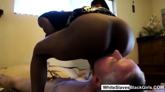 Black Girl Licks White Pussy