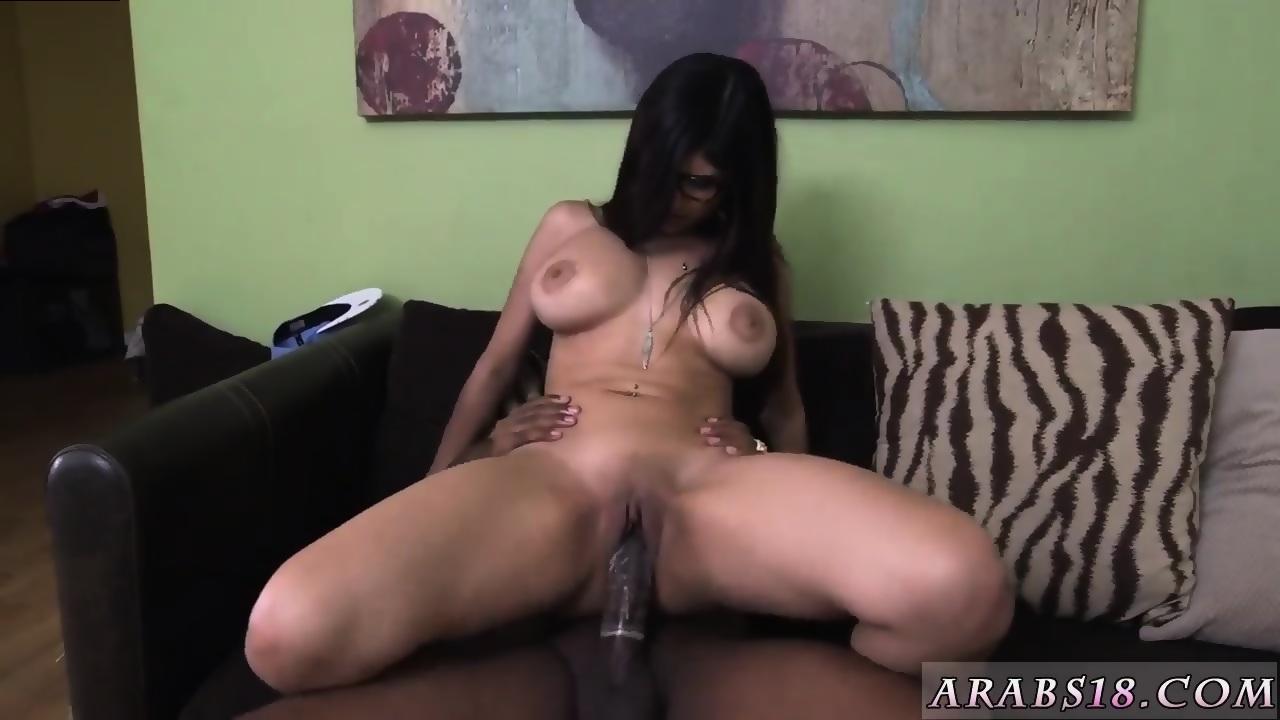 Bubble Butt Teen Rides Dick