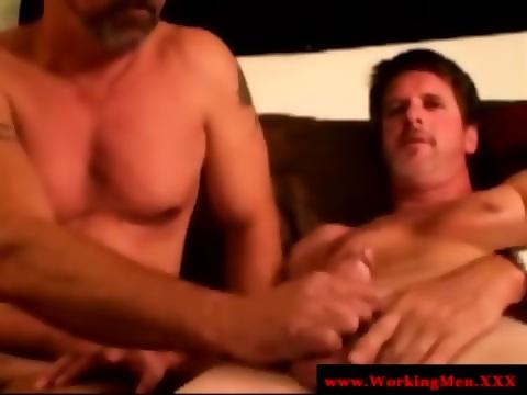 Gaystraight bluecollar bear sucking dick