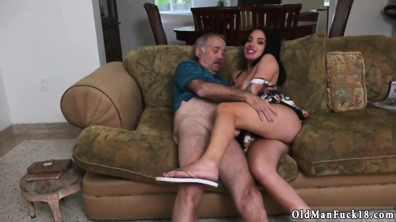 Older Black Man Eating Pussy