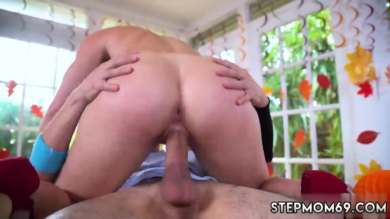 Amateur Milf Tries Big Cock