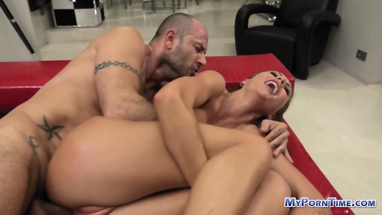 Bootylicious pornstar
