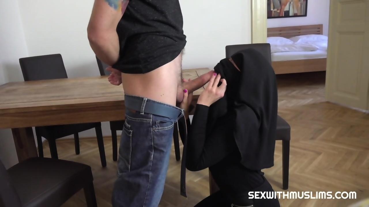 Muslim Porn Hijab poor muslim niqab girl