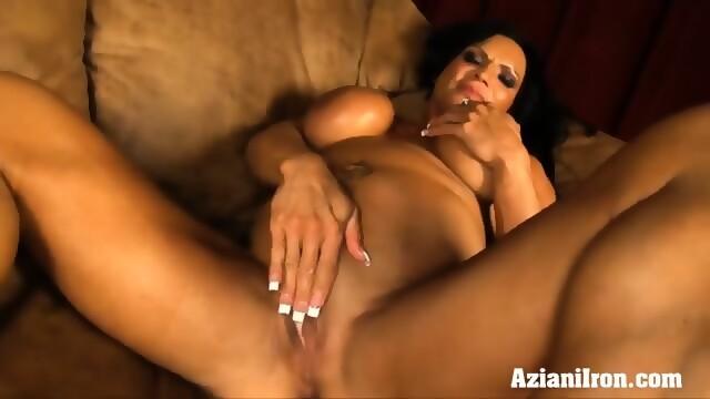 video Rhonda clit