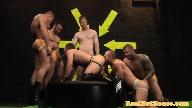 Well built masculine men in orgy