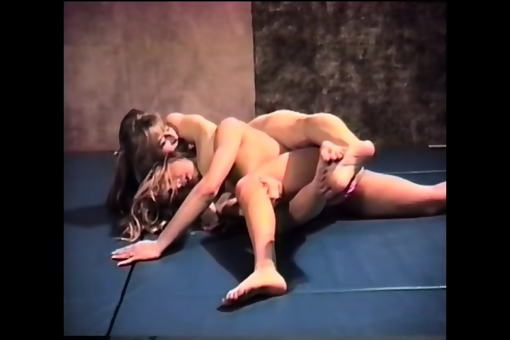 Bikini Female Nude Bloody Wrestling Pictures